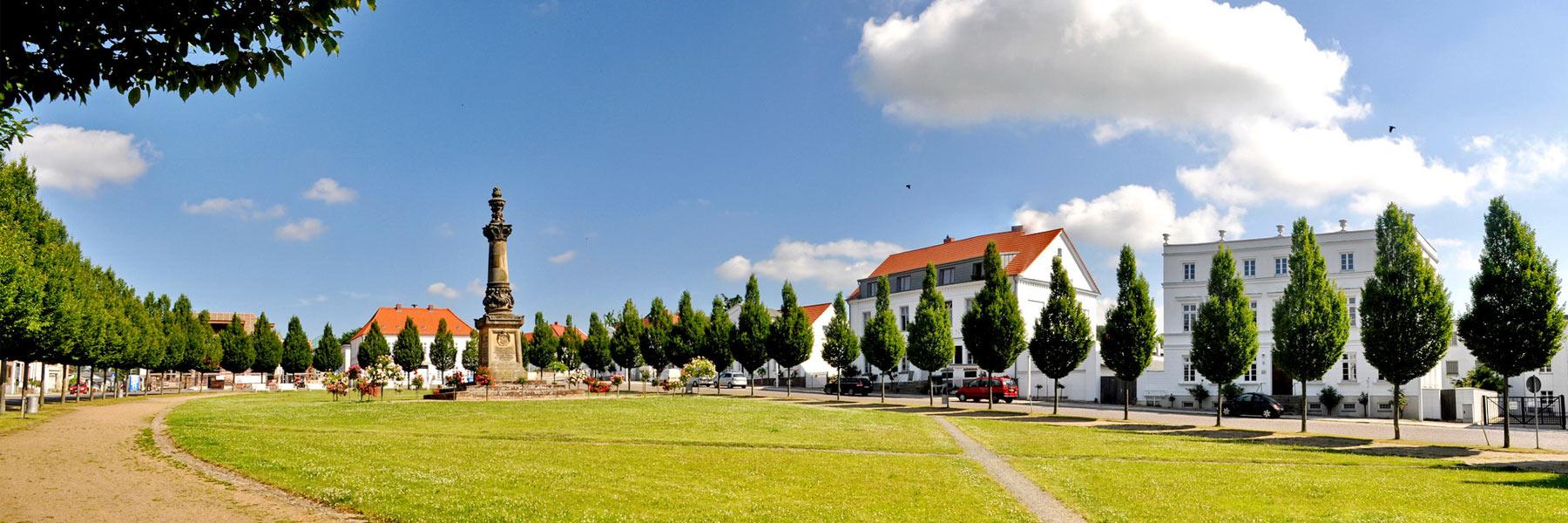 Circus Putbus Kriegerdenkmal - Putbus