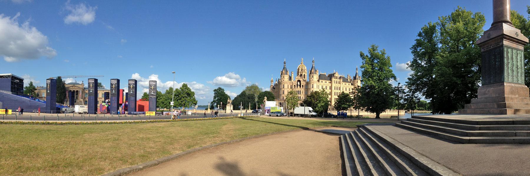 Schloss Theater Museumplatz - Schwerin
