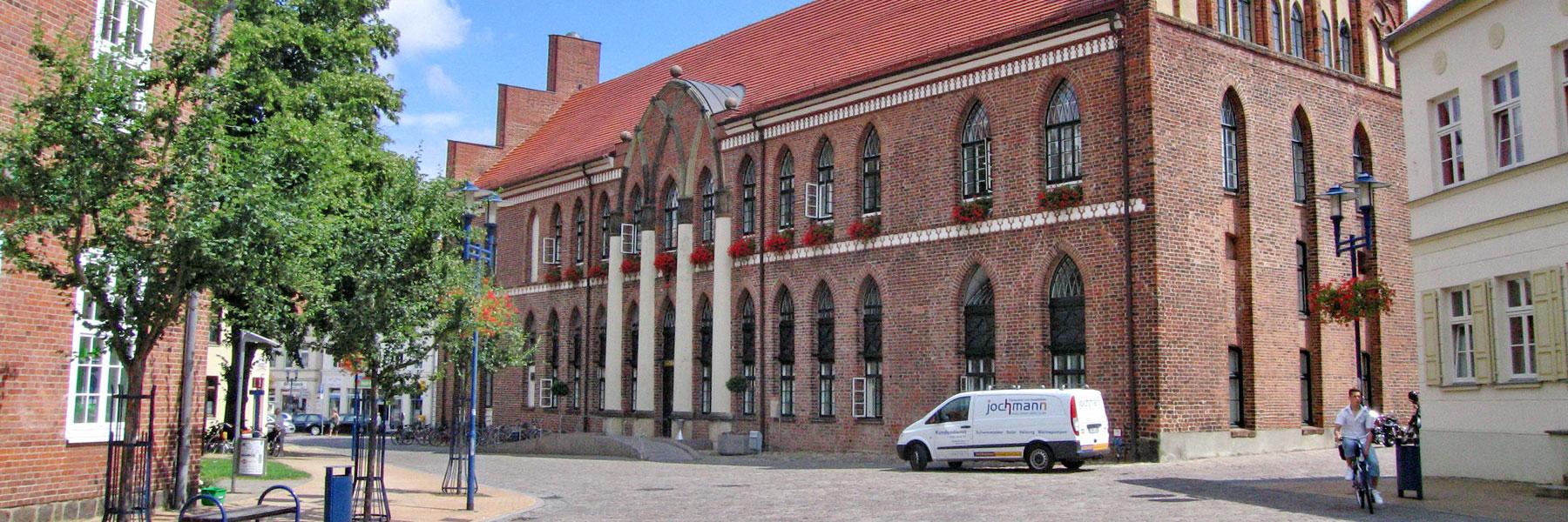 Rathaus Parchim - Brocki's Hotel Stadt Hamburg