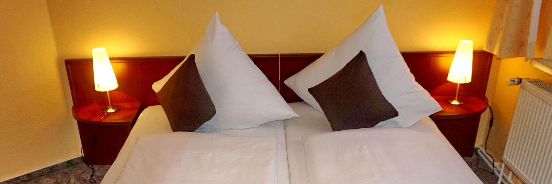Doppelbett - Gaststätte & Pension Am Wiesengrund
