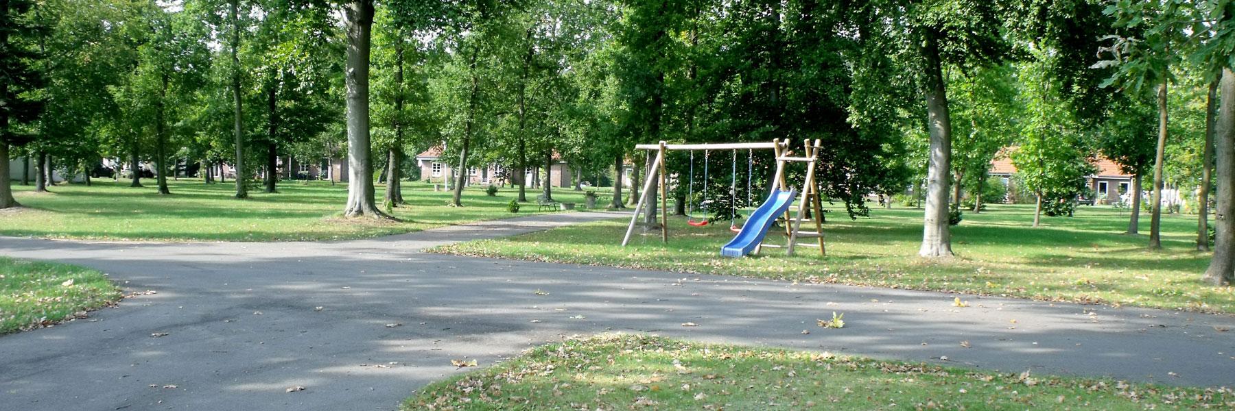 Park mit Spielplatz - Ferienhausvermietung Buchholz