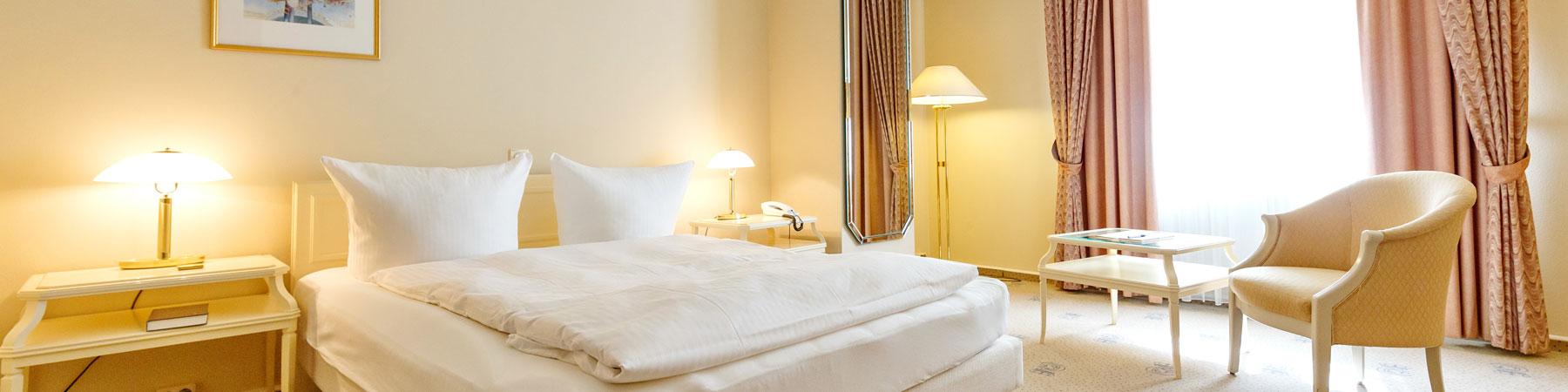 """Zimmer schmal - Hotel """"Erbprinz"""""""