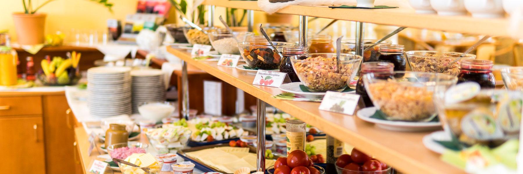 Frühstücksbuffet - Hotel Am Schloß