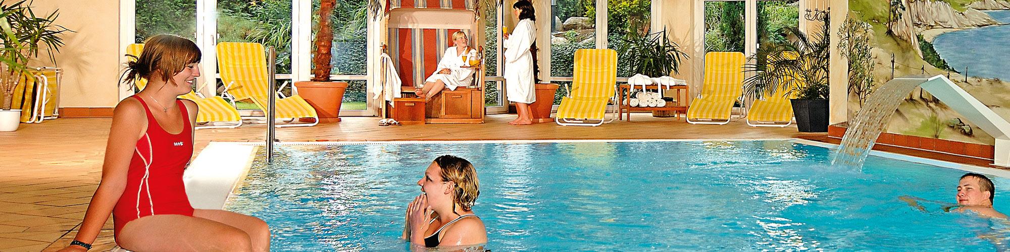 """Pool - Aparthotel """"Am See"""" und Ferienpark Heidenholz"""