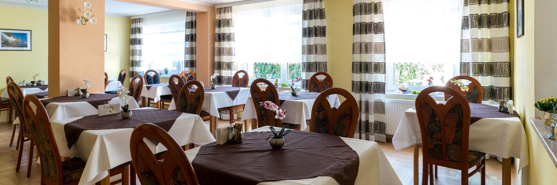 Frühstücksraum - Hotel Adler