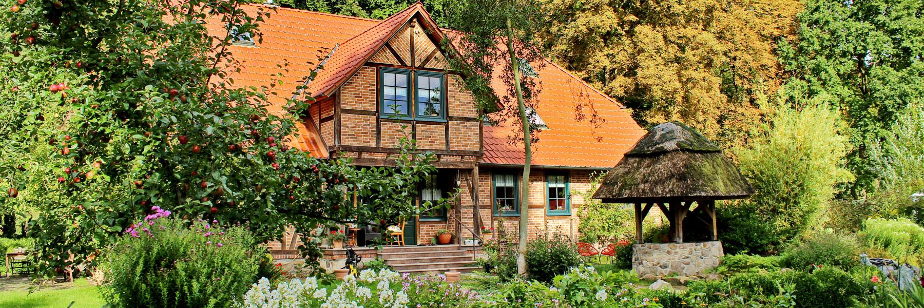 Außenansicht Landhaus - Waldhof Stalder