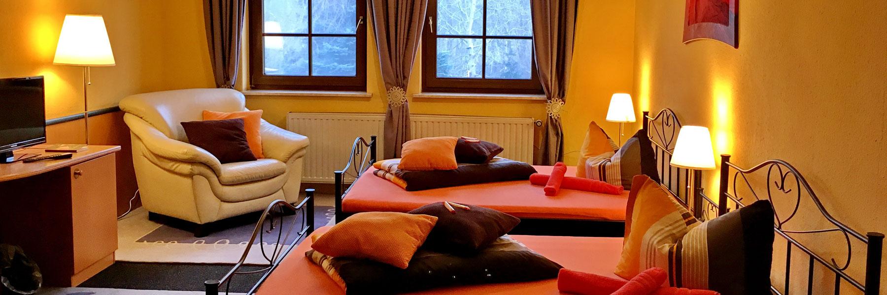 """Familienzimmer Doppelbetten - Gasthaus & Pension """"Zur Eiche"""""""