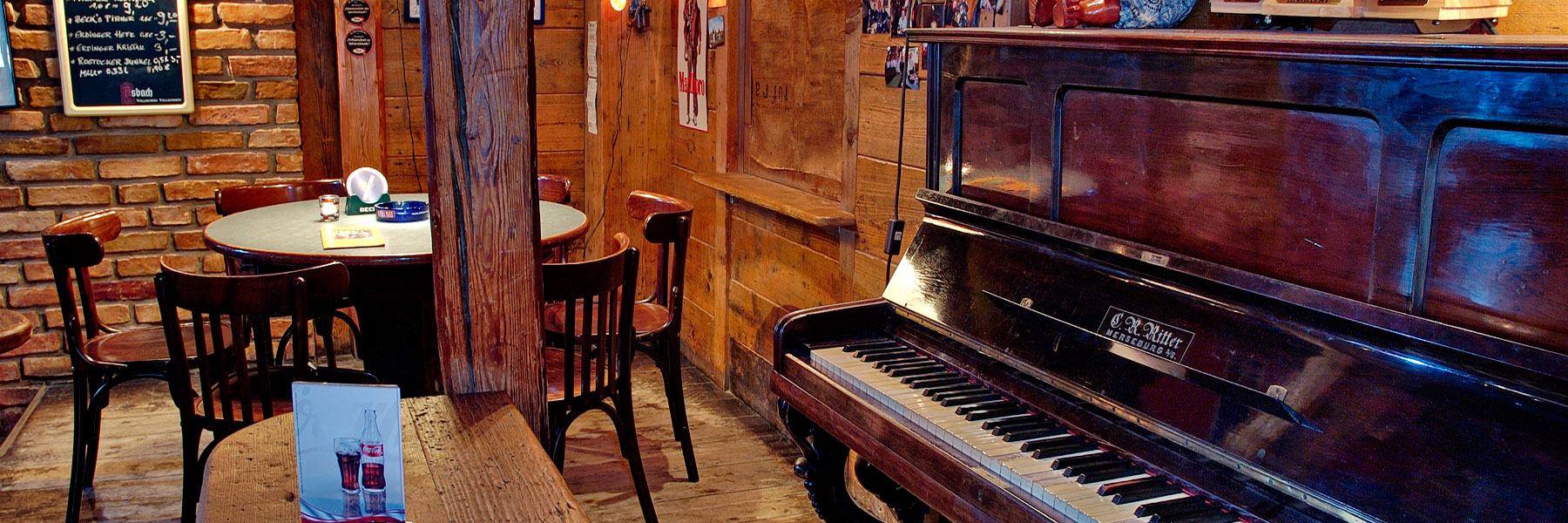 Gastraum mit Klavier - Pension ALABAMA