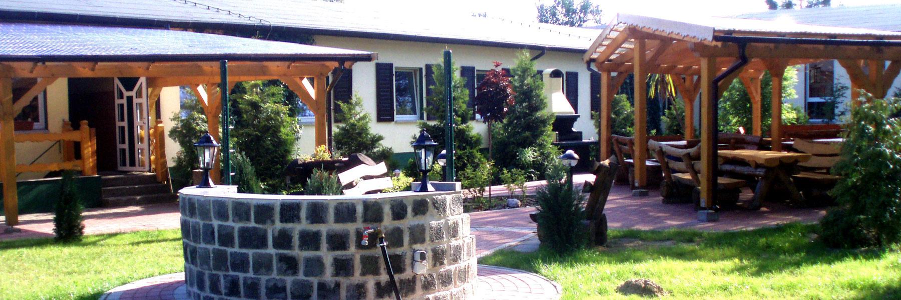 Eingang Gruppenunterkunft - Waldhaus am Ferienpark