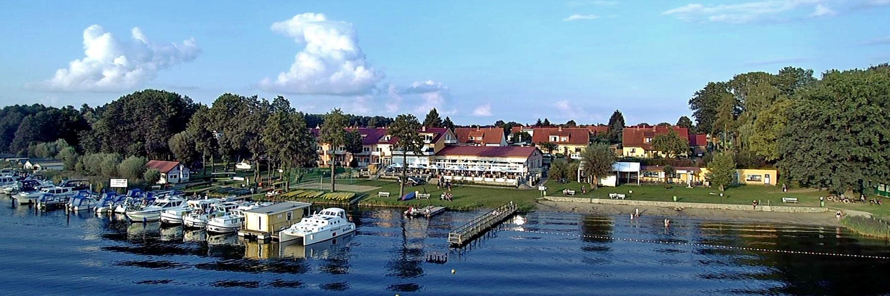 Hausansicht - Strandhotel & Restaurant Mirow