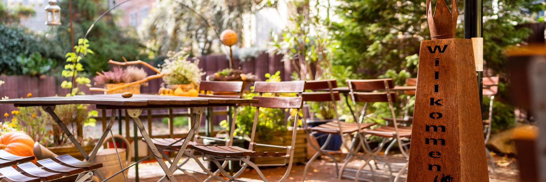 Garten - Hotel - Pension am Theater