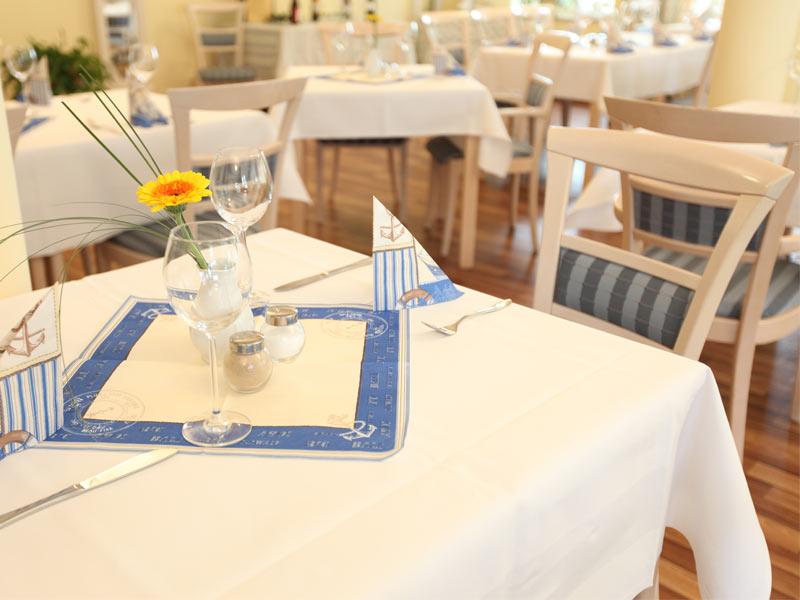 abl/strandhotel-plau-am-see-restaurant.jpg