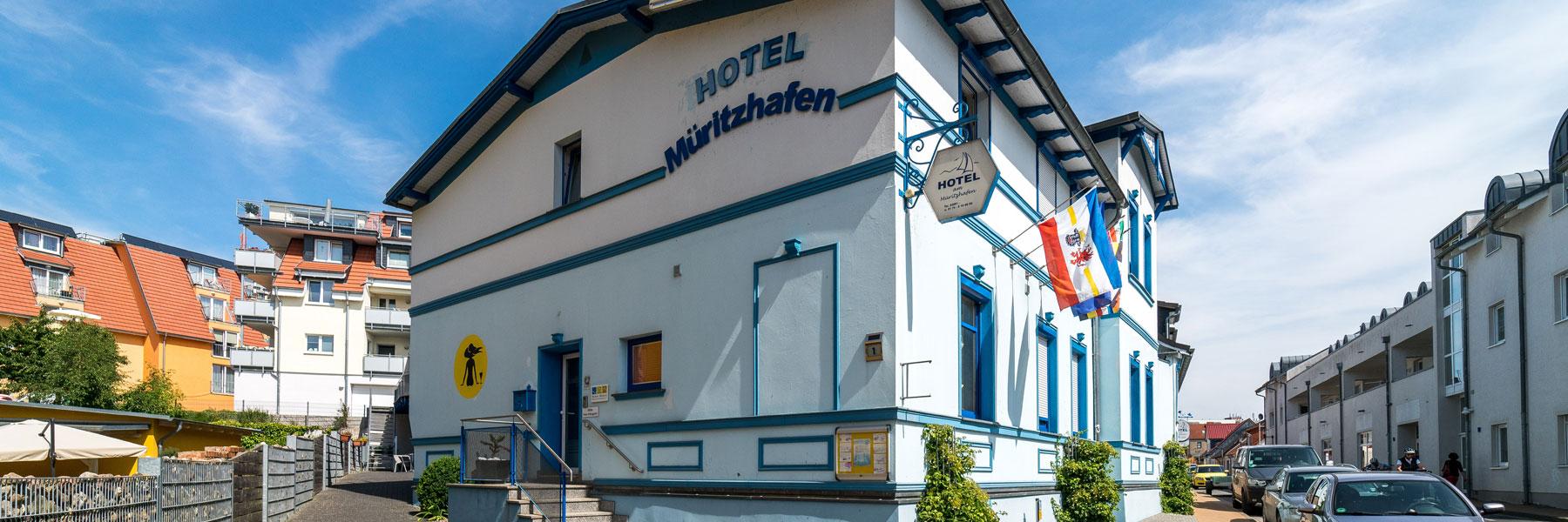 Außenansicht - Hotel Am Müritzhafen