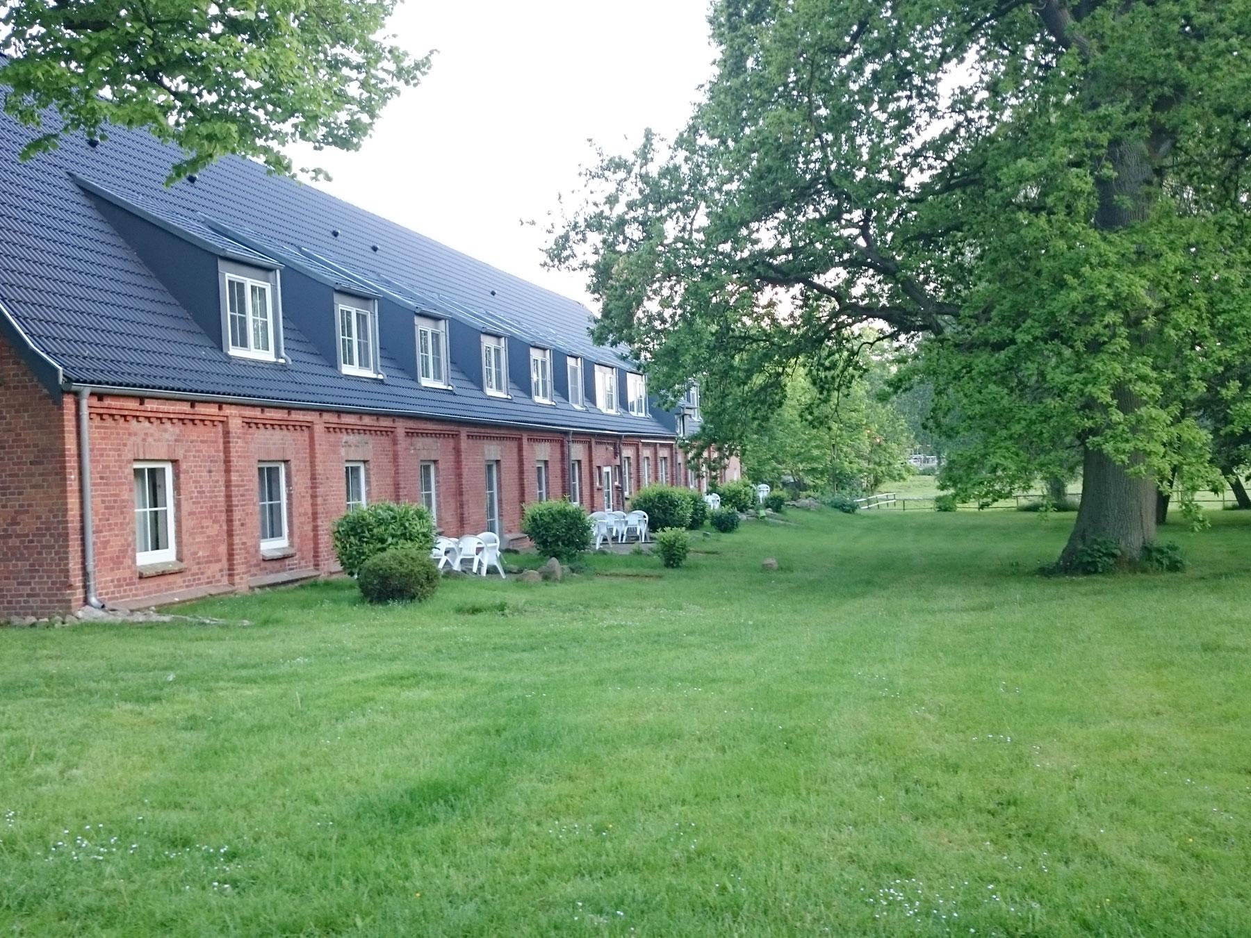 Gästehaus mit mehrerer Ferienwohnungen ...