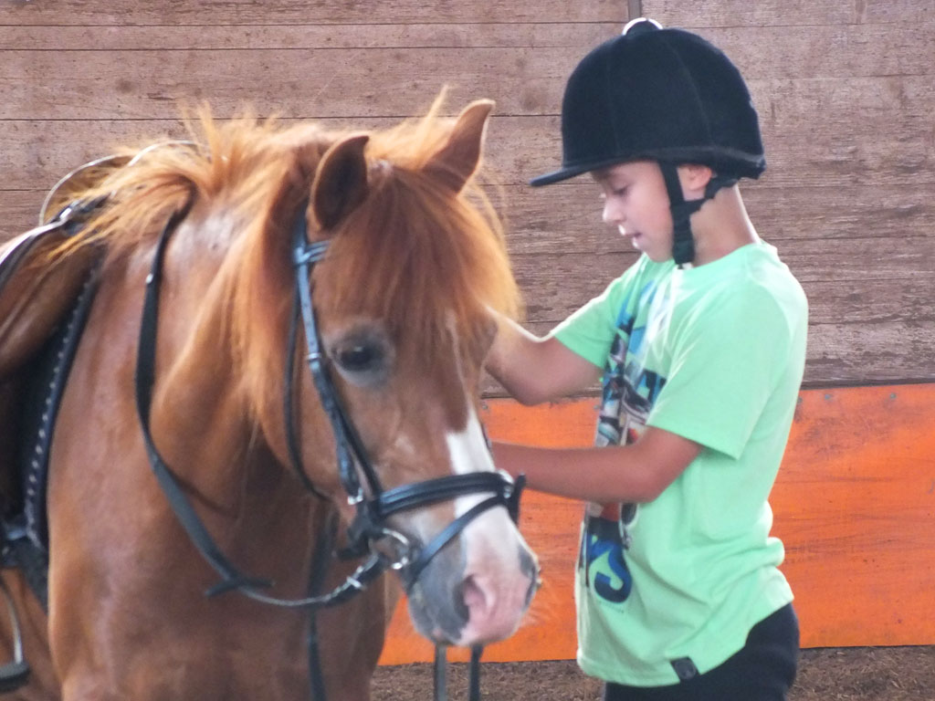 Kind mit Pferd