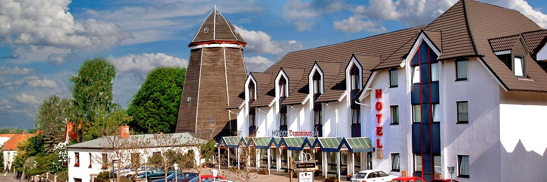 """Außenansicht - Hotel """"Demminer Mühle"""""""