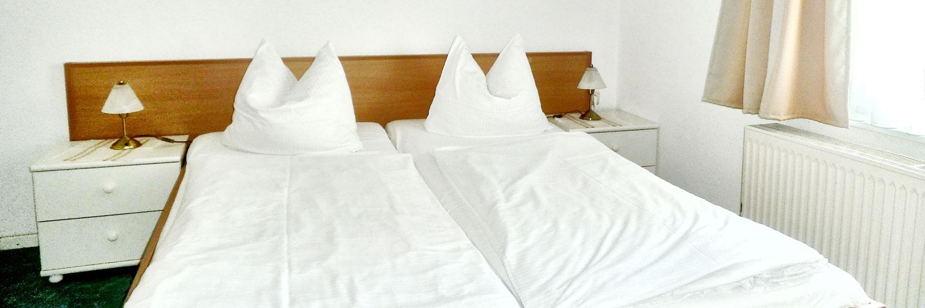 Schlafzimmer - Pension Kühlungsblick