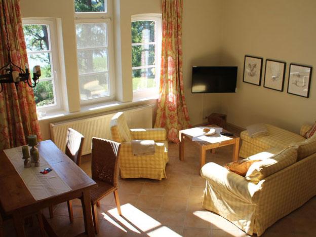 Wohnzimmer mit herrlichem Seeblick