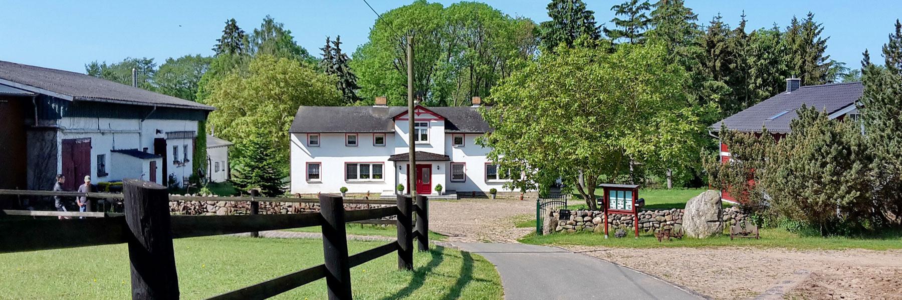 Hofansicht - Ferien- und Bauernhof Diederichs