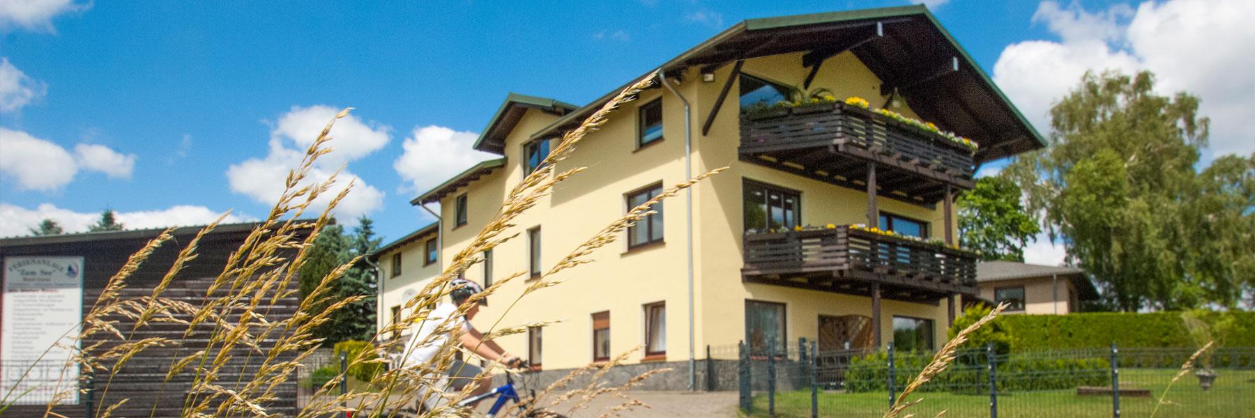 """Außenansicht - Appartementhaus """"Zum See"""""""