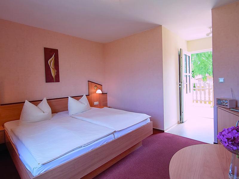 Doppelzimmer mit TV, Minibar und Terrasse