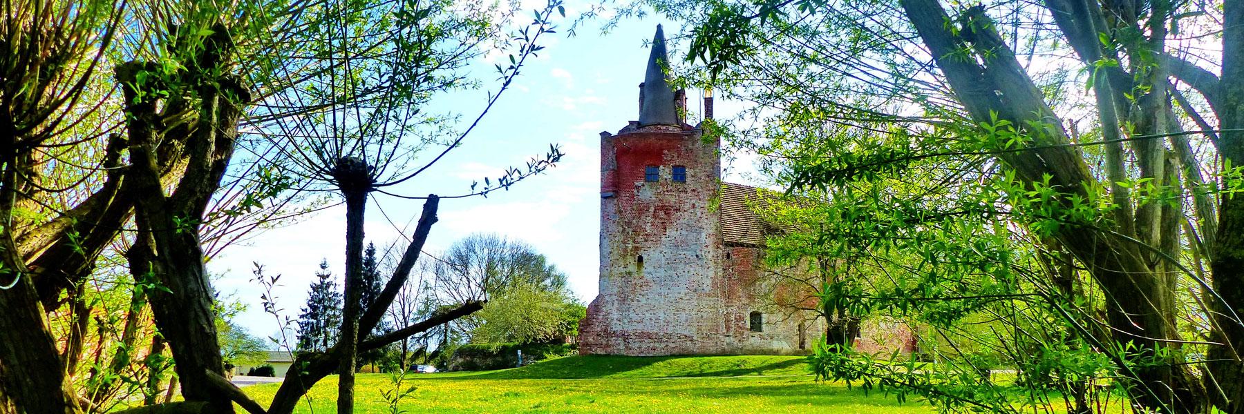 Blick auf die Burg - Kanustation Klempenow