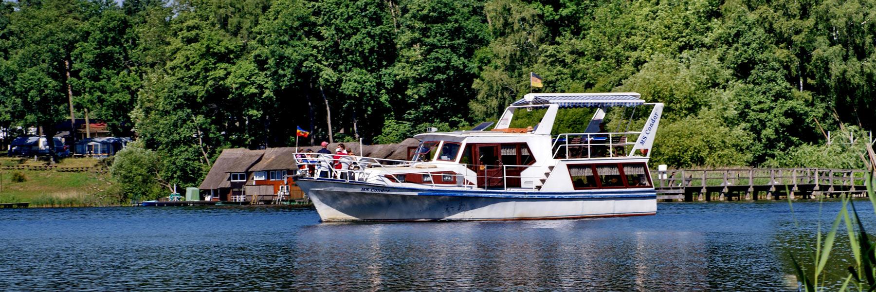 Bootsfahrt - Insel-Hotel & Ferienhäuser Dobbertin