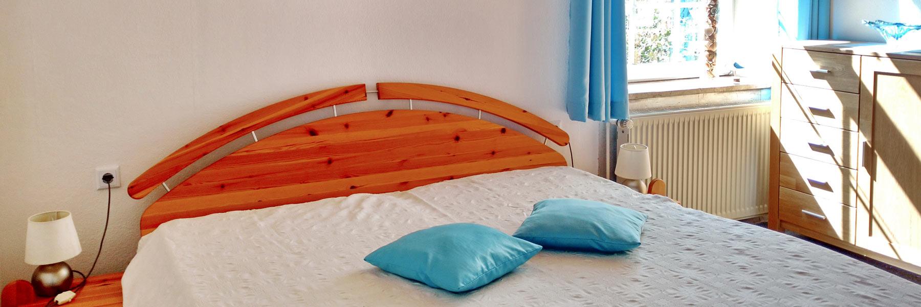Schlafzimmer - Ferienwohnung Nimz