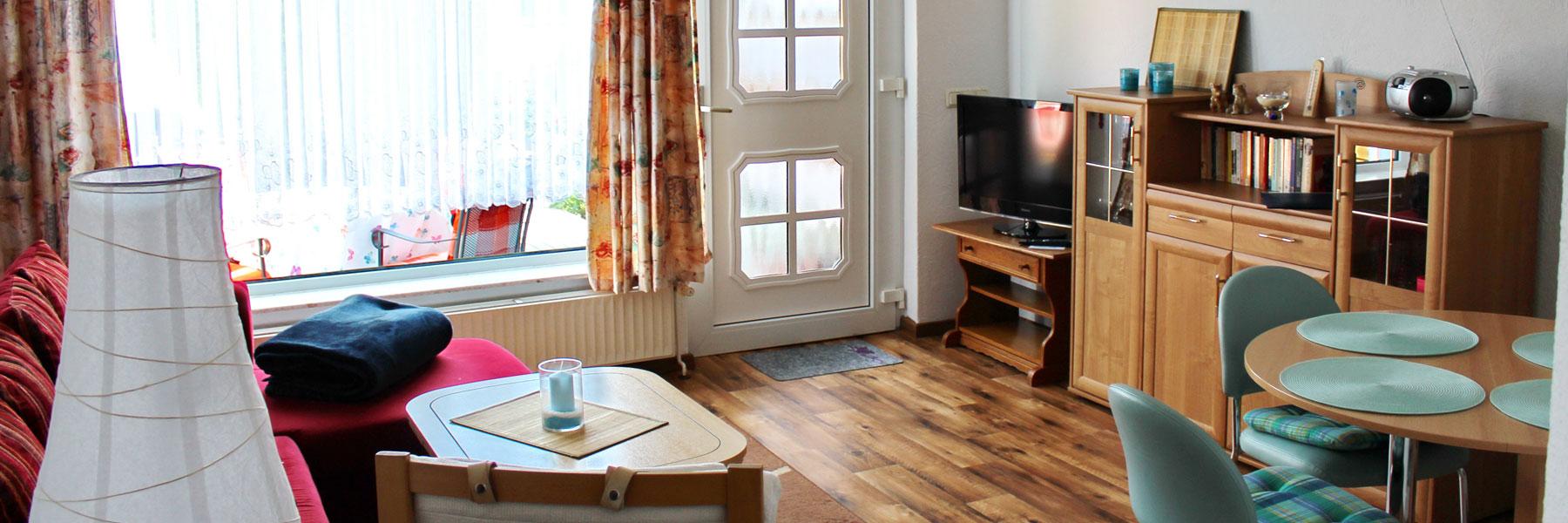 Wohnzimmer - Ferienwohnung Hahn