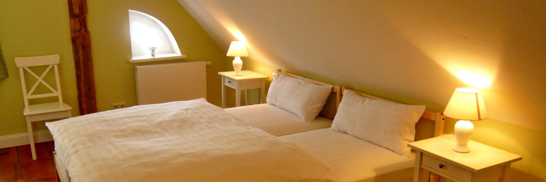 schloss schlafzimmer bettdecken origami star wars bettw sche real peter pan bayern m nchen. Black Bedroom Furniture Sets. Home Design Ideas