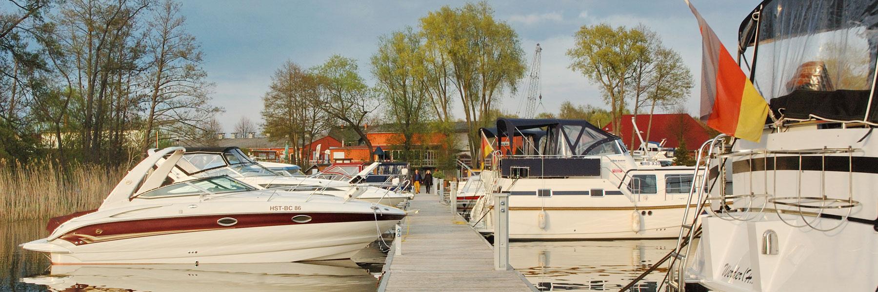 Steg - Yachthafen Priepert