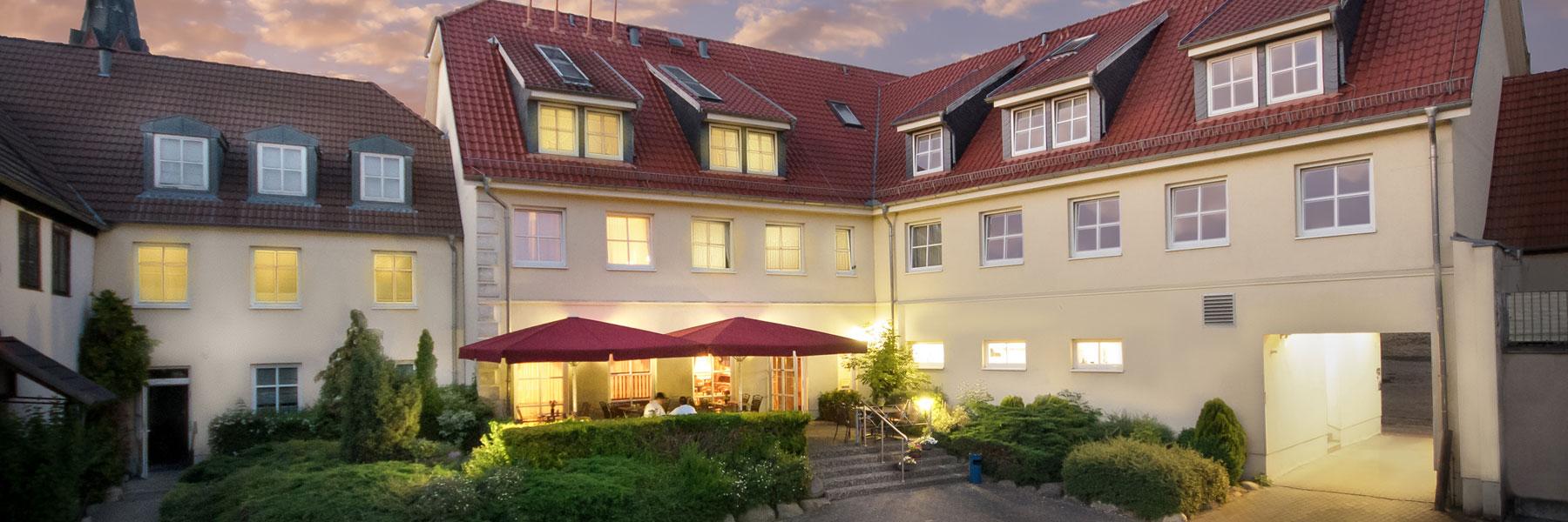 Außenansicht - Hotel Zur Burg
