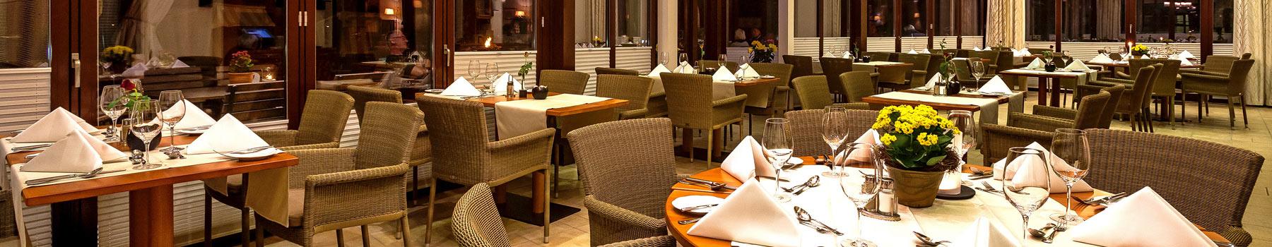 Restaurant schmal - Hotel Warnemünder Hof