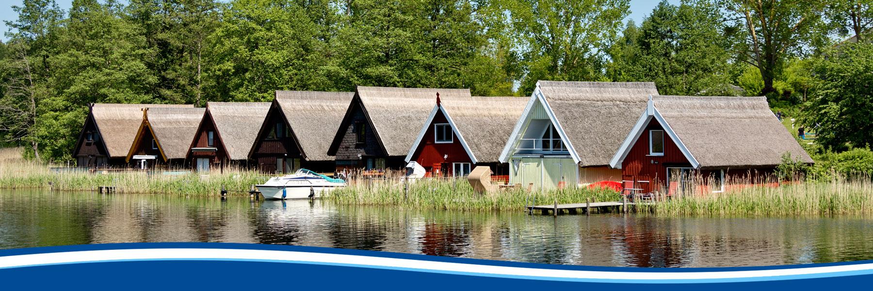 Bootshäuser - Blau Weisse Flotte Müritz & Seen in Waren